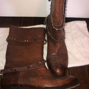 Size 9 leather boots  Brand Area Fortye